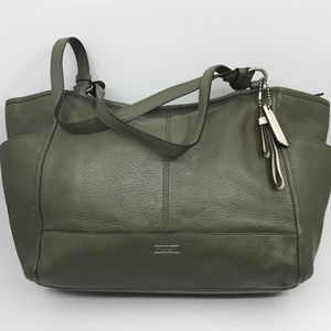 COACH XL Olive green Leather Shoulder Bag